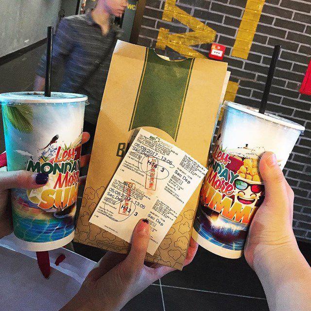 Tặng vé xem phim làm quà sinh nhật cho bạn thân