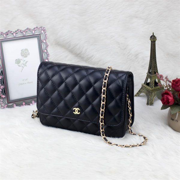 túi xách cũng là món quà sinh nhật ý nghĩa để tặng bạn gái